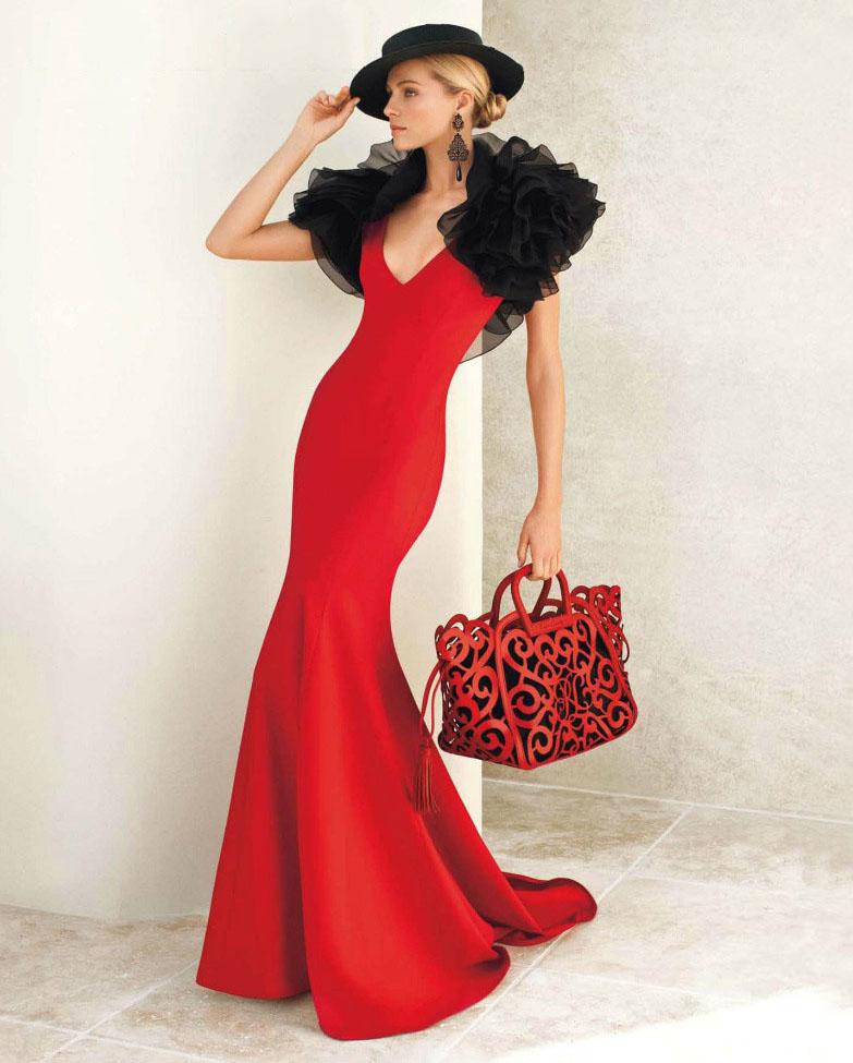 Длинное красное платье с чёрным болеро и шляпой