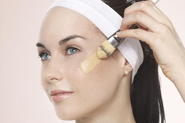 Плоская кисть для макияжа