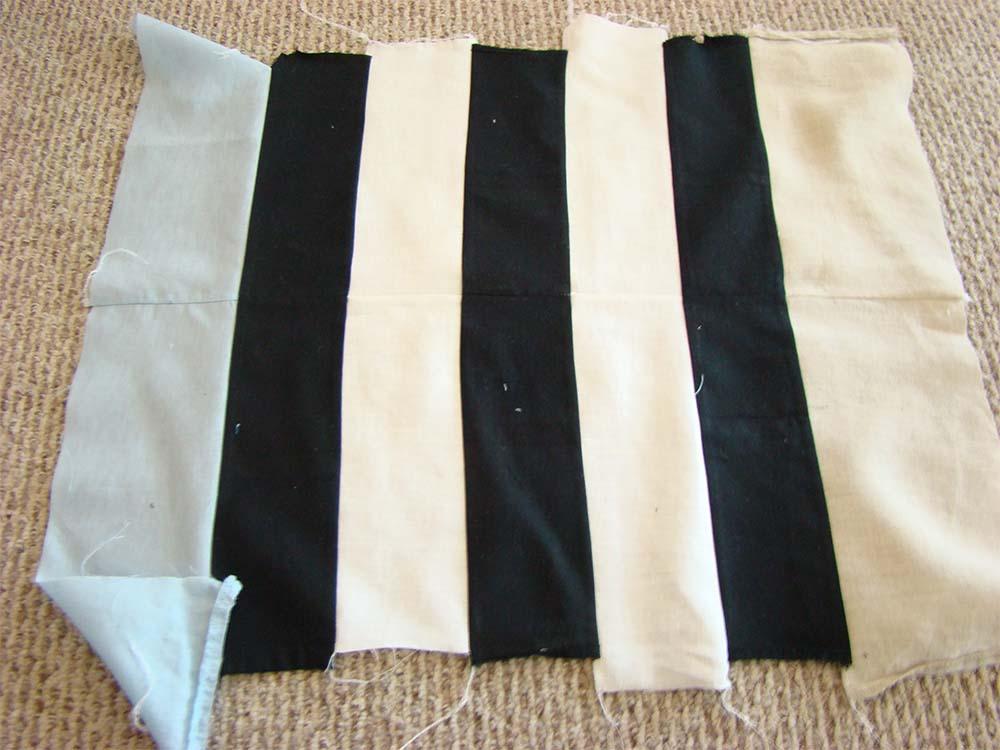 Сшитые вместе полосы ткани