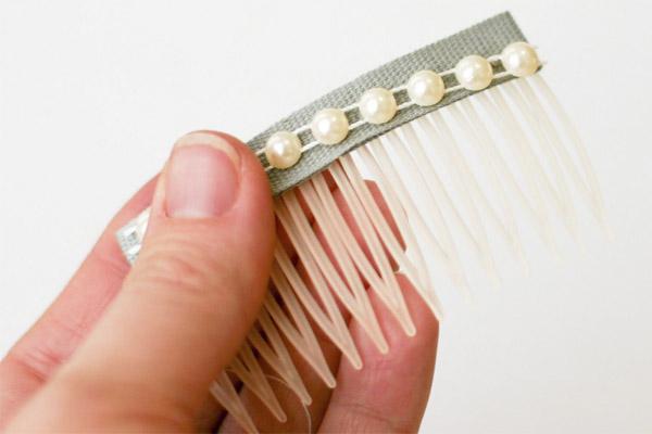 Как сделать гребешок на волосы 933