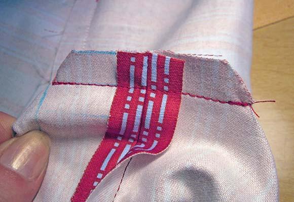 Сшиваем углы подкладки