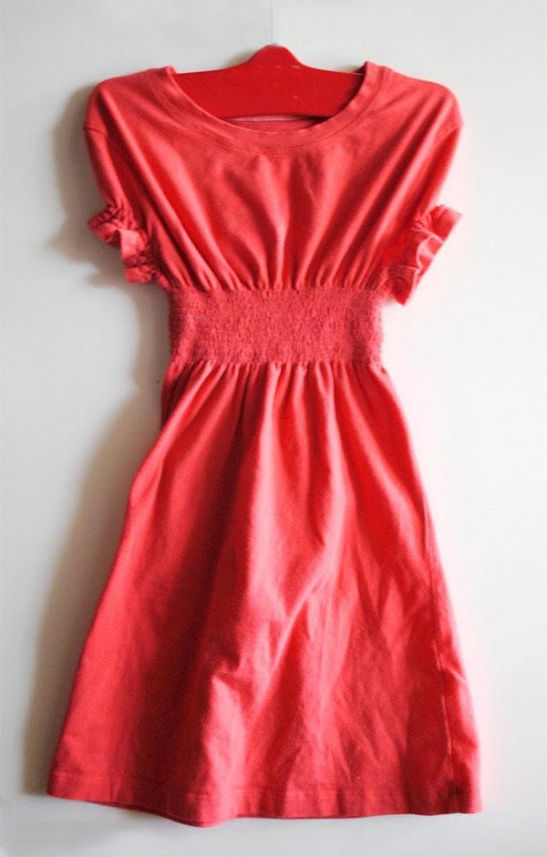 Платье из футболки с резинками