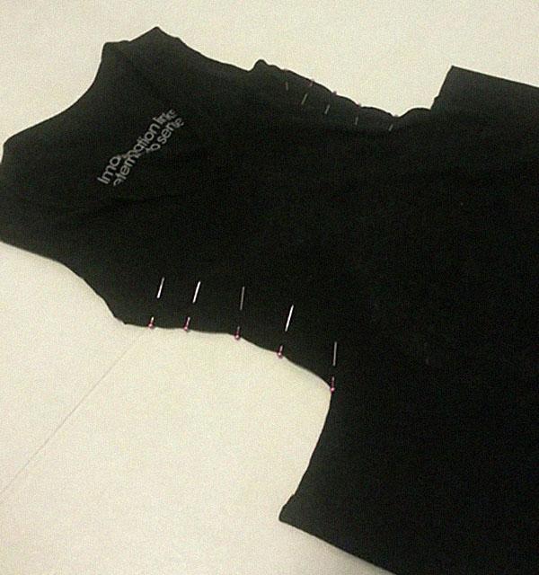 Платье из футболки с карманами: шаг 3