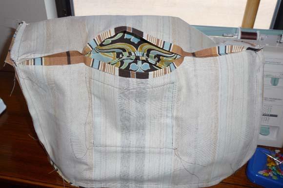 Пошив сумки из ткани: соединение подкладки с лицевой частью шаг 4